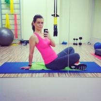 S miminem pořád pravidelně cvičíme! Příště ale najedeme na vyloženě těhotenské cvičení s trenérkou pilates a jógy.