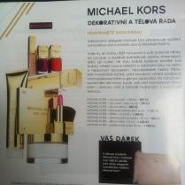 K nákupu přípravků Michael Kors je jako dárek kosmetická taštička