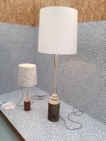 Lampy s podstavcem ze špalků...