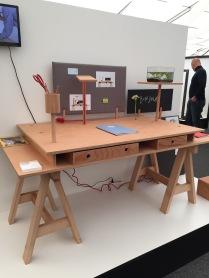 Propracovaný stůl table-kit od Zuzany Boškové