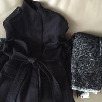 Nový vlněný kabát a šála ze Zary